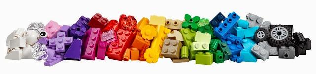 Lego 10692 Thùng gạch sáng tạo Creative Bricks với 221 viên gạch đủ màu sắc