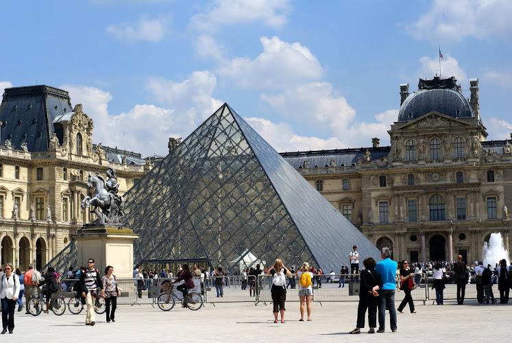 Монументы и памятники Парижа: Стеклянная пирамида возле Лувра, монументы и памятники Парижа, монументы Парижа, парижские памятники, парижские монументы, триумфальная арка Париж, достопримечательности Парижа, Главные достопримечательности Парижа, самые интересные достопримечательности, фотографии Парижа, что посмотреть в Париже, Must see Paris, основные достопримечательности Парижа, Париж достопримечательности, Париж что посмотреть, Париж путеводитель, путеводитель по парижу, Франция, Париж, путеводитель по Франции, достопримечательности Франции, столица Франции, описания достопримечательностей Париж