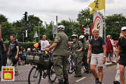 Vierdaagse van Nijmegen door Cuijk 20-07-2012 (13).JPG