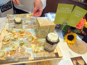 Taste of Zupan's- Point Reyes Farmstead Bay Blue with Solmielato Chestnut Honey