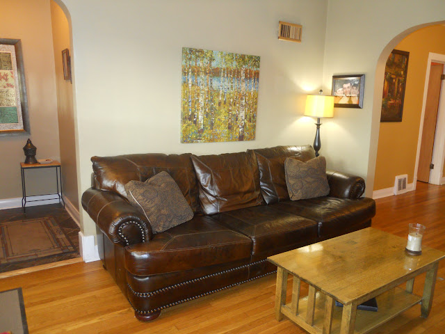 1168 S Taylor living room