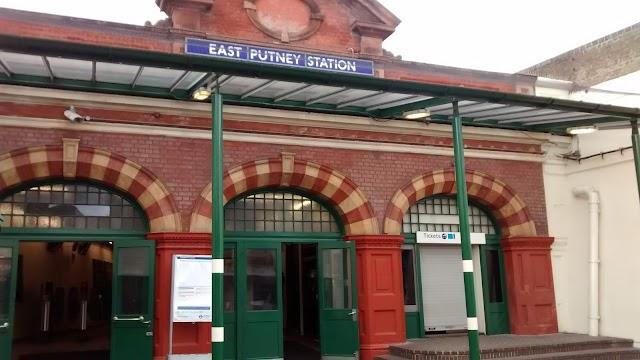 Underground-East Putney