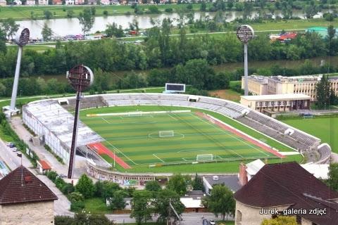 Stadion piłkarski.