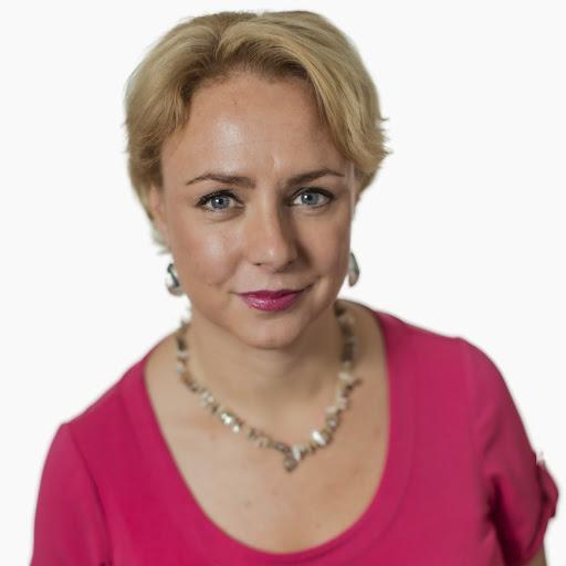 Suedezii au şi ei naivii lor, şocaţi de sărăcia versus religie în România #1