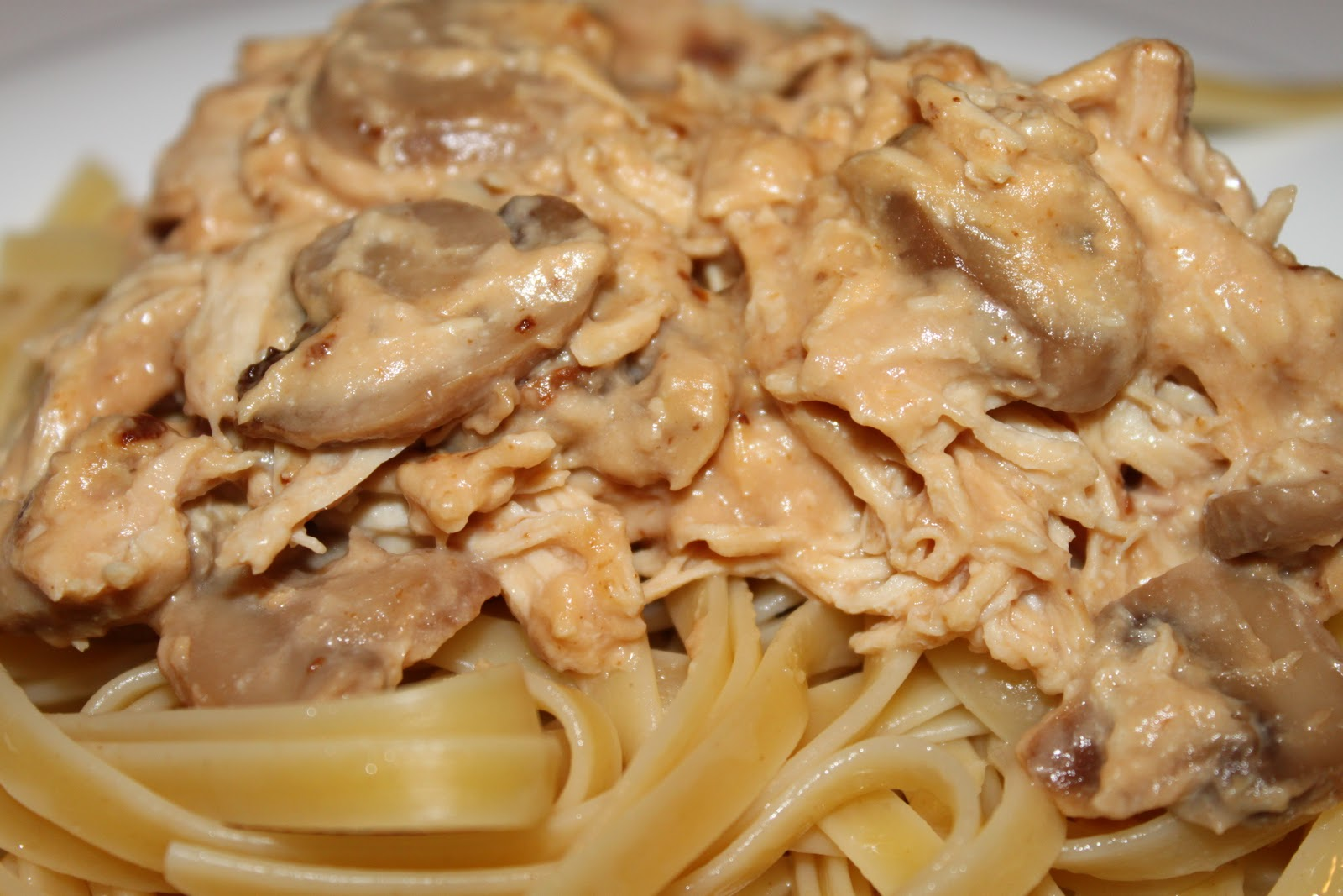 Slow Cooker* Alfredo Chicken with Fettuccine