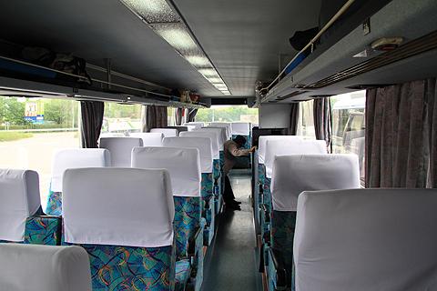 西鉄高速バス「フェニックス号」 9135 車内
