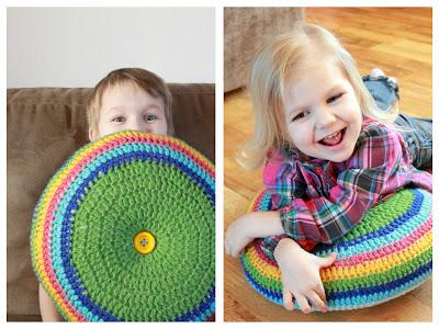 "Picnik+collage Easy Striped (16"") Round Pillow Crochet Pattern"