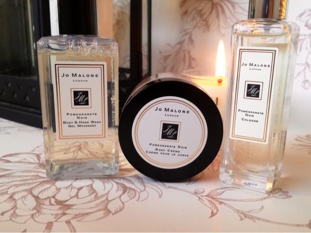 lou loves beauty jo malone pomegranate noir gift set. Black Bedroom Furniture Sets. Home Design Ideas