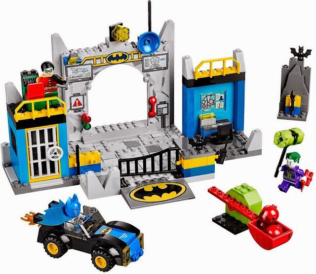 Khung cảnh sinh động đẹp mắt trong bộ Xếp hình Lego 10672 Batman Defend the Batcave