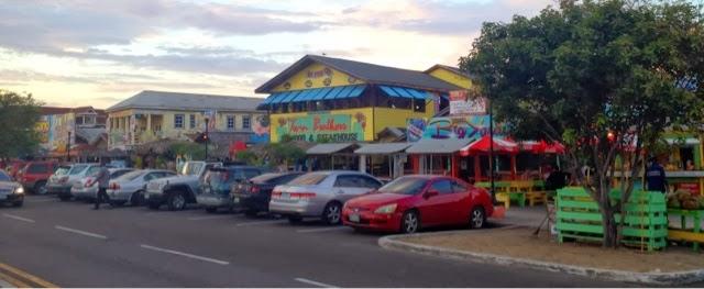 Traveling kate da fish fry at arawak cay for Fish fry bahamas