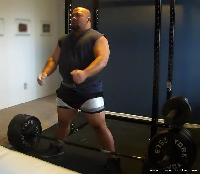 Sumo Deadlifting