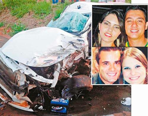 O carro no qual as duas motos bateram: acima, Clayton e Flávia, que morreram no local; abaixo, Mariane, que também morreu, e Tiago, que está na UTI