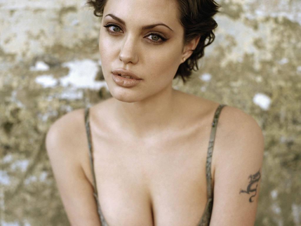 Angelina jolie free nude sex, mature young lez