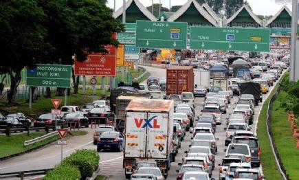 Jambatan Pulau Pinang Sesak Akibat Kerosakan Besi Penyambung
