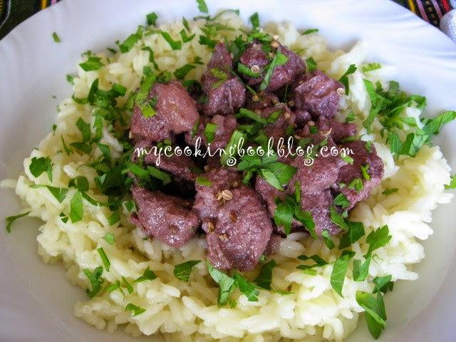Афеля (Αφέλια) или свинско с червено вино и кориандър