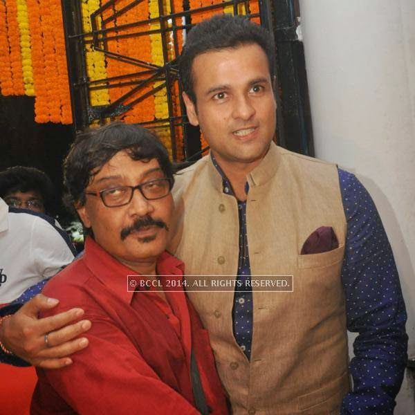 Subrata Sen and Rohit Roy during premiere of Bengali movie Sada Canvas held in Kolkata.