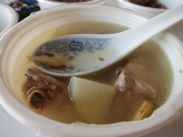 洋芋燉雞湯(含當歸?薑片、神祕藥材)