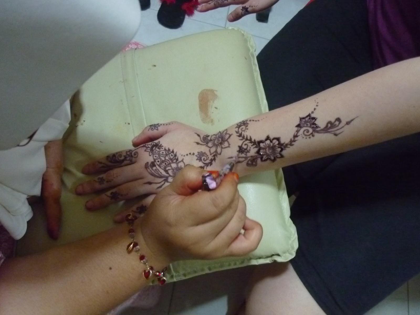 PERKHIDMATAN UKIRAN INAI PENGANTIN Henna Inai Ukiran Henna