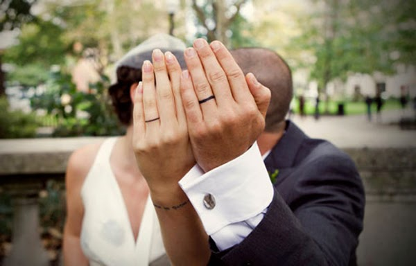 http://wedding-rings-women.blogspot.com.es/2012/09/20-best-wedding-ring-tatoo-ideas.html?m=1