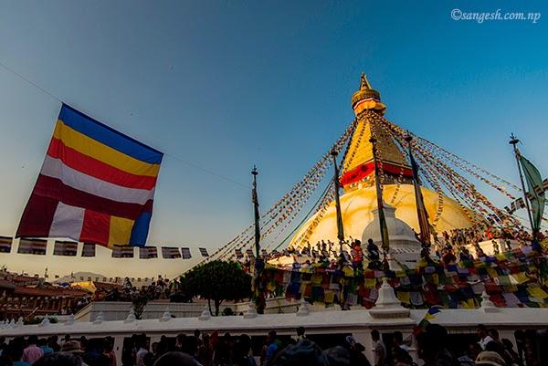 Boudha Nath stupa and pilgrims