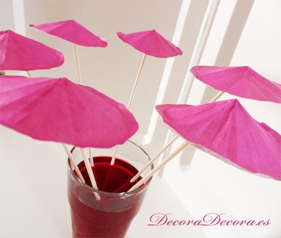 Decorar Bebidas con Sombrillas de Papel