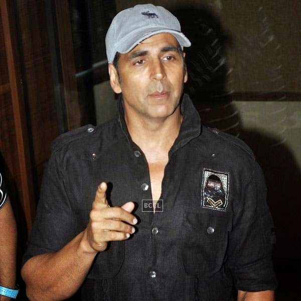 Akshay Kumar interacts with media before a song recording session for the movie Entertainment, in Mumbai, on July 23, 2014. (Pic: Viral Bhayani)
