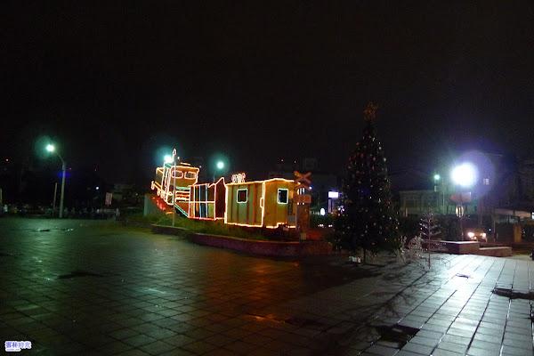 斗南-他里霧純樸與空間藝術 夜晚的斗南火車站