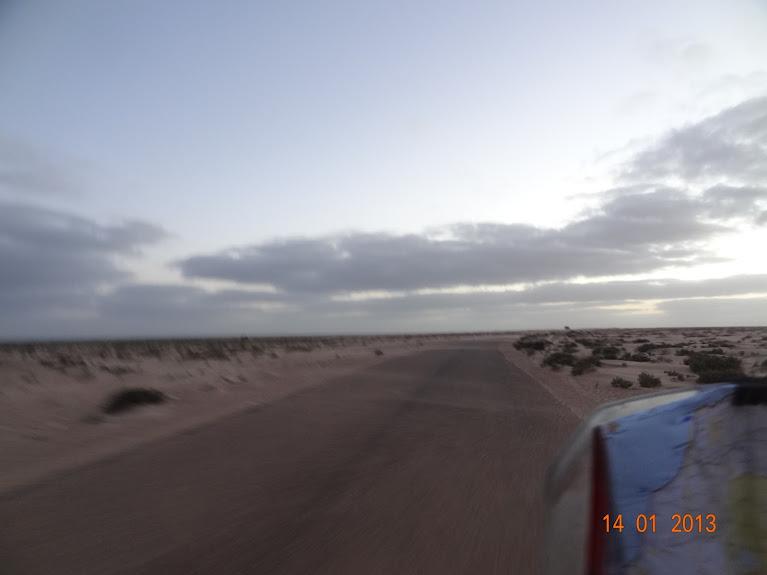 Marrocos e Mauritãnia a Queimar Pneu e Gasolina - Página 5 DSC05780