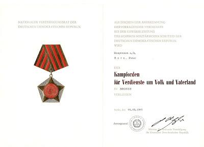 015d Kampforden Für Verdienste um Volk und Vaterland bronze meer informatie: http://sites.google.com/site/ddrmed/