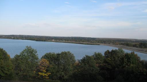 рогозянское водохранилище вид горы