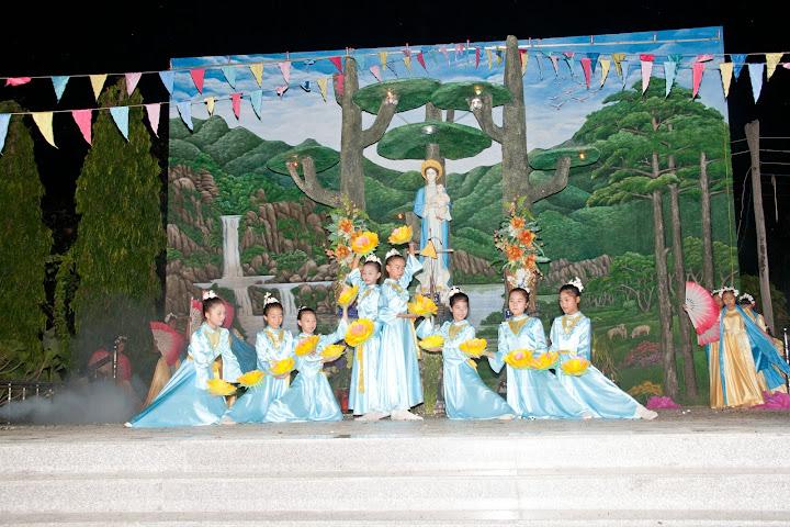 Giáo xứ Phú Phong khai mạc THÁNG HOA