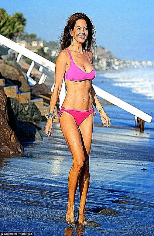 Brooke Burke Charvet 42 shares Instagram snap of toned bikini