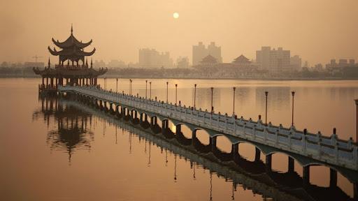 Lotus Sea, Kaohsiung, Taiwan.jpg