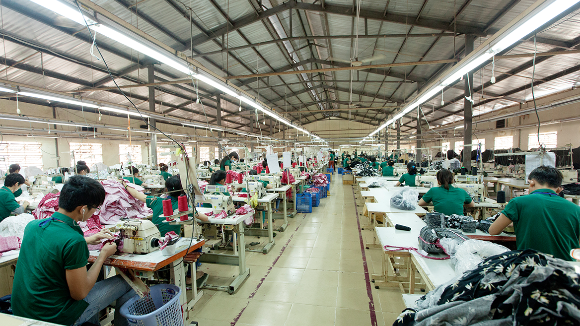 Nguồn sỉ quần áo trung niên ở các xưởng