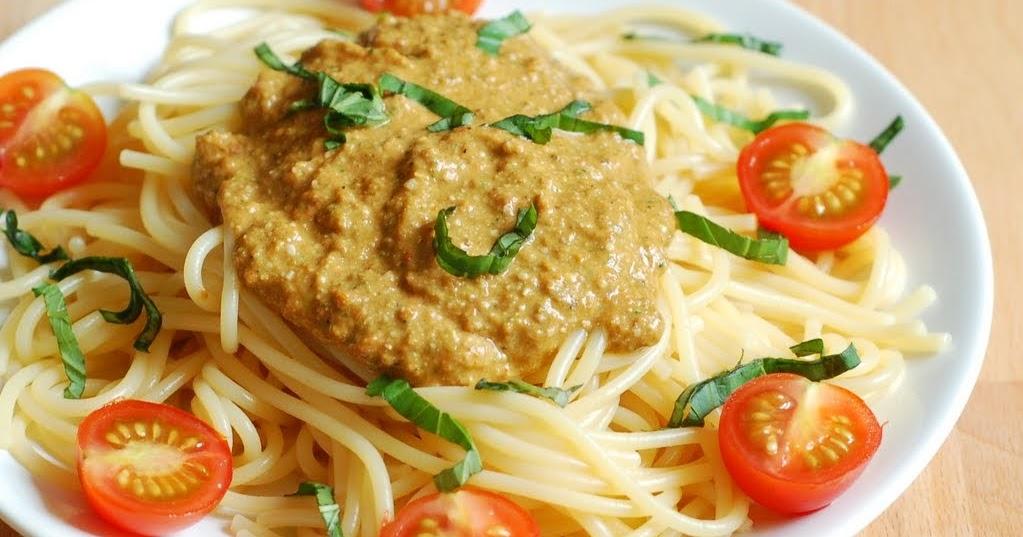 Roshni's Kitchen: Creamy Cashew and Sun Dried Tomato Pesto ...