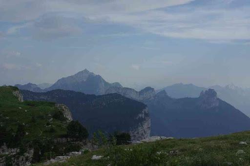 Regardez bien à gauche on voit le mont Blanc !