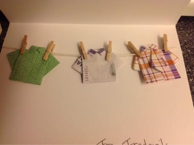 foldning af pengesedler skjorte