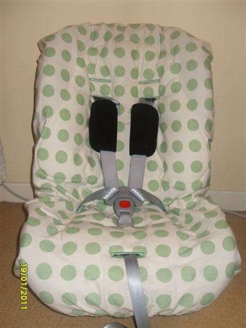 review of minnie moo maxi medo toddler car seat cover my mummy reviews. Black Bedroom Furniture Sets. Home Design Ideas