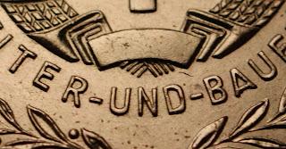 151l Medaille für treue Dienste in der Nationale Volksarmee für 5 Dienstjahre www.ddrmedailles.nl