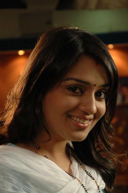 independence day movie actress. telugu actress nikitha