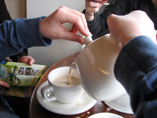 Taipei with Kids: Tea at the top, Maokong Gondola