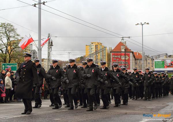 Marynarka Wojenna na paradzie niepodległości w Gdyni