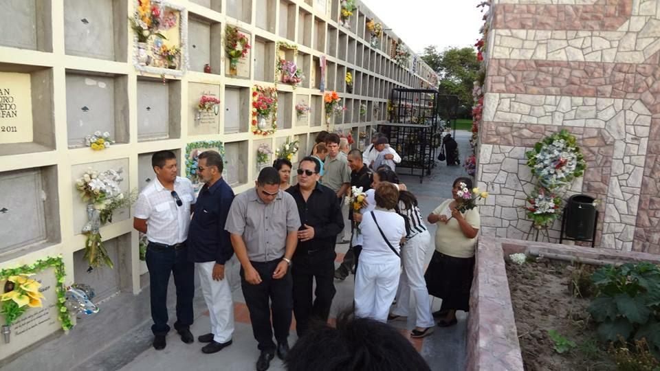 1 poeta carlos ram rez soto literatura lambayecana for Horario cementerio jardines de paz