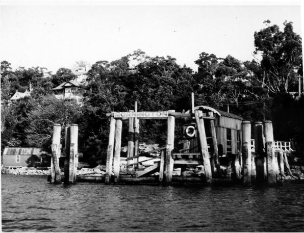 Mornington House at left, old wharf at right