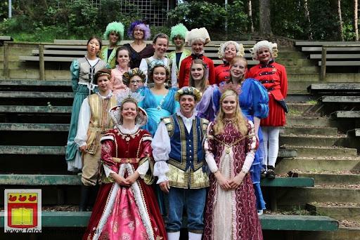 Doornroosje Openluchttheater Overloon 01-08-2012  (112).JPG