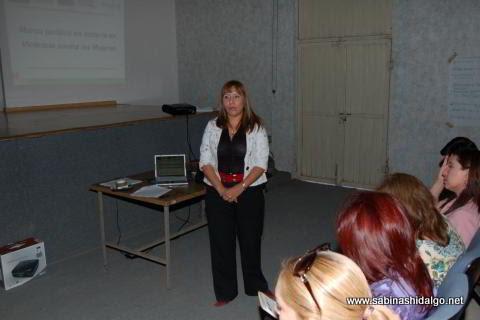Imparten taller de atención a mujeres víctimas de violencia