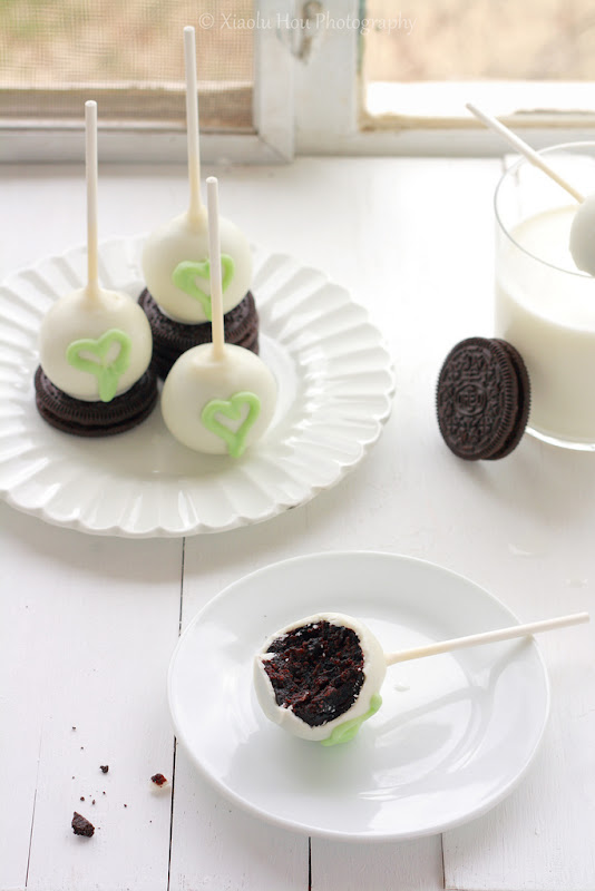 Cookies N' Cream Cake Pops