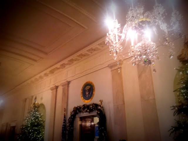 Presidential Seal, Cross Hall, White House. #WHHolidays #WHTravelBloggers
