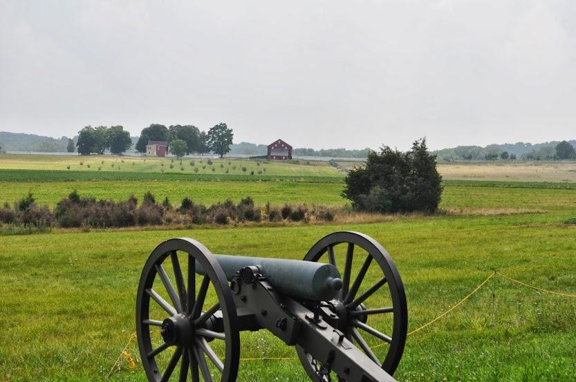 Confederate cannon on Seminary Ridge