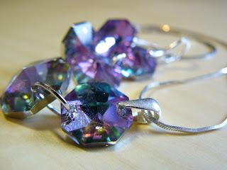 biżuteria z półfabrykatów - różowy blask (komplet - zbliżenie na wisiorek)